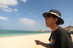 沖縄県恩納村の冨着ビーチにて